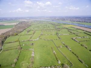Aanzicht Brabants Maasheggenlandschap vanuit de lucht.